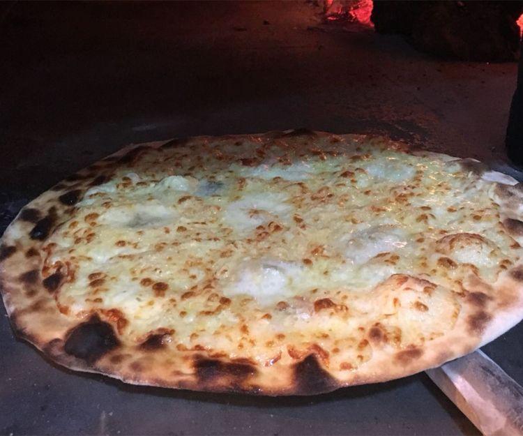 Pizzas italianas tradicionales en Sitges