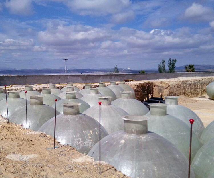Trabajo de construcción de fermentadores en Andalucía