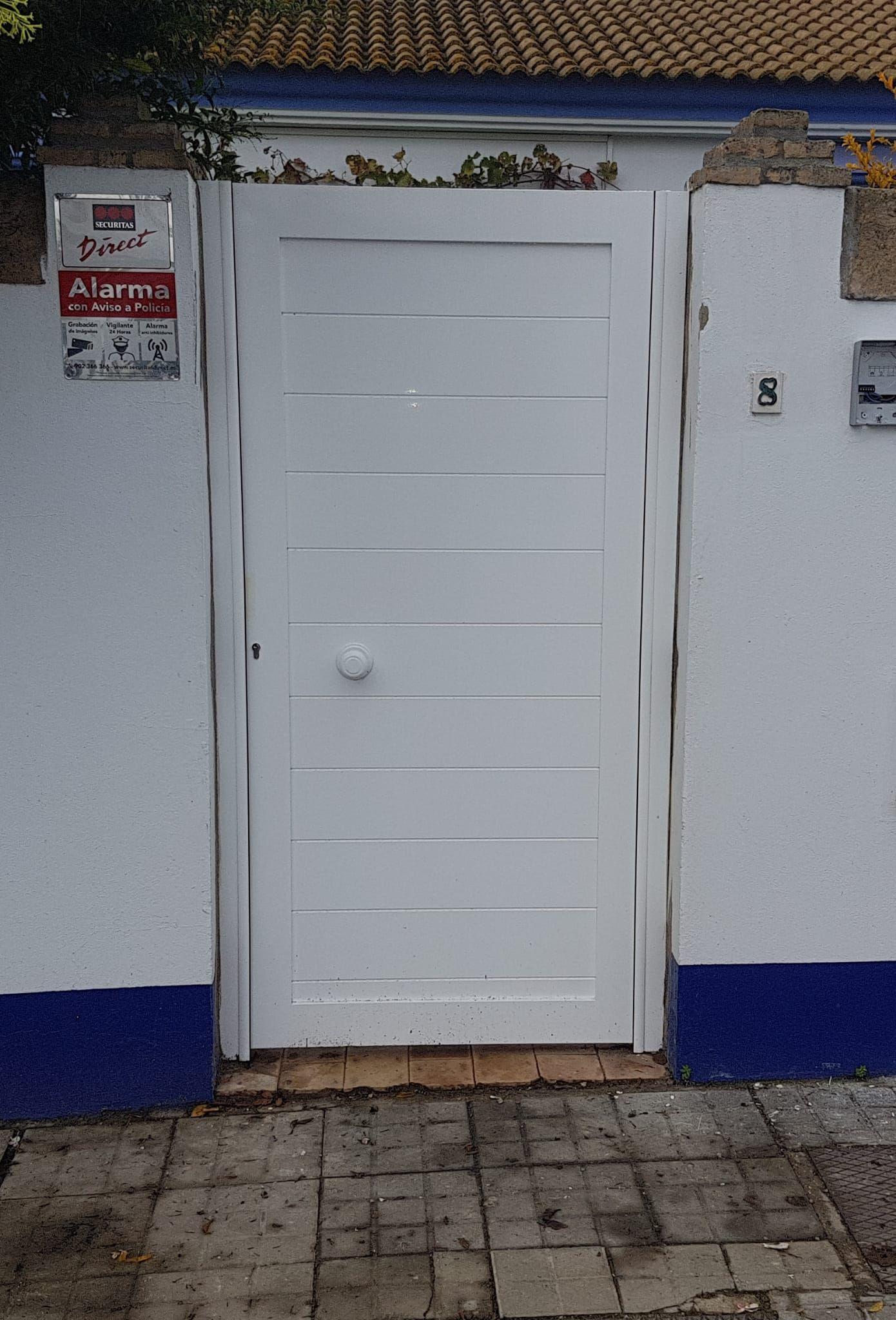 Puerta peatonal de aluminio Huelva