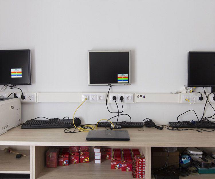 Interior de nuestra tienda de reparación de ordenadores en Ejea de los Caballeros