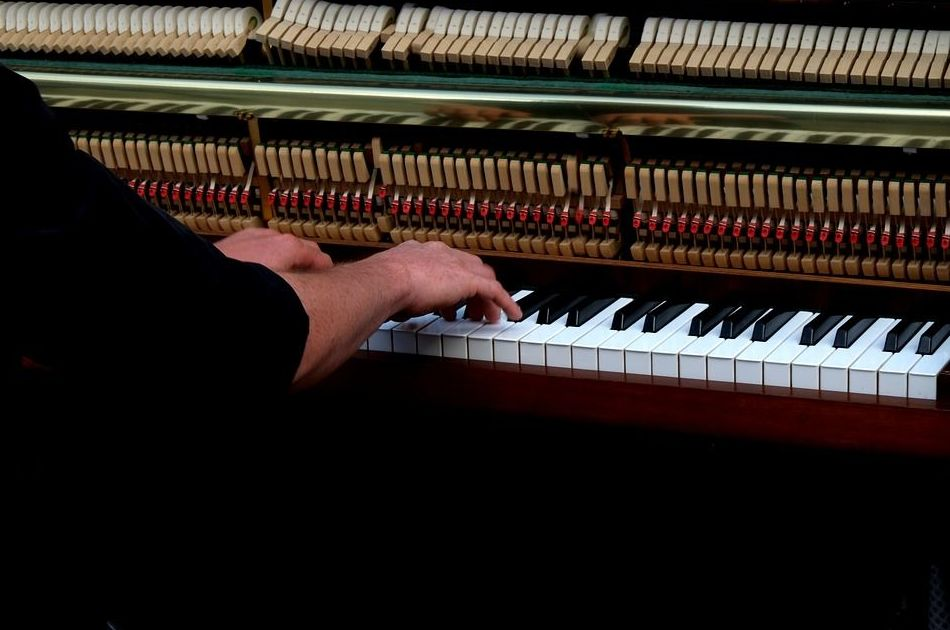 Arreglamos y afinamos tu piano