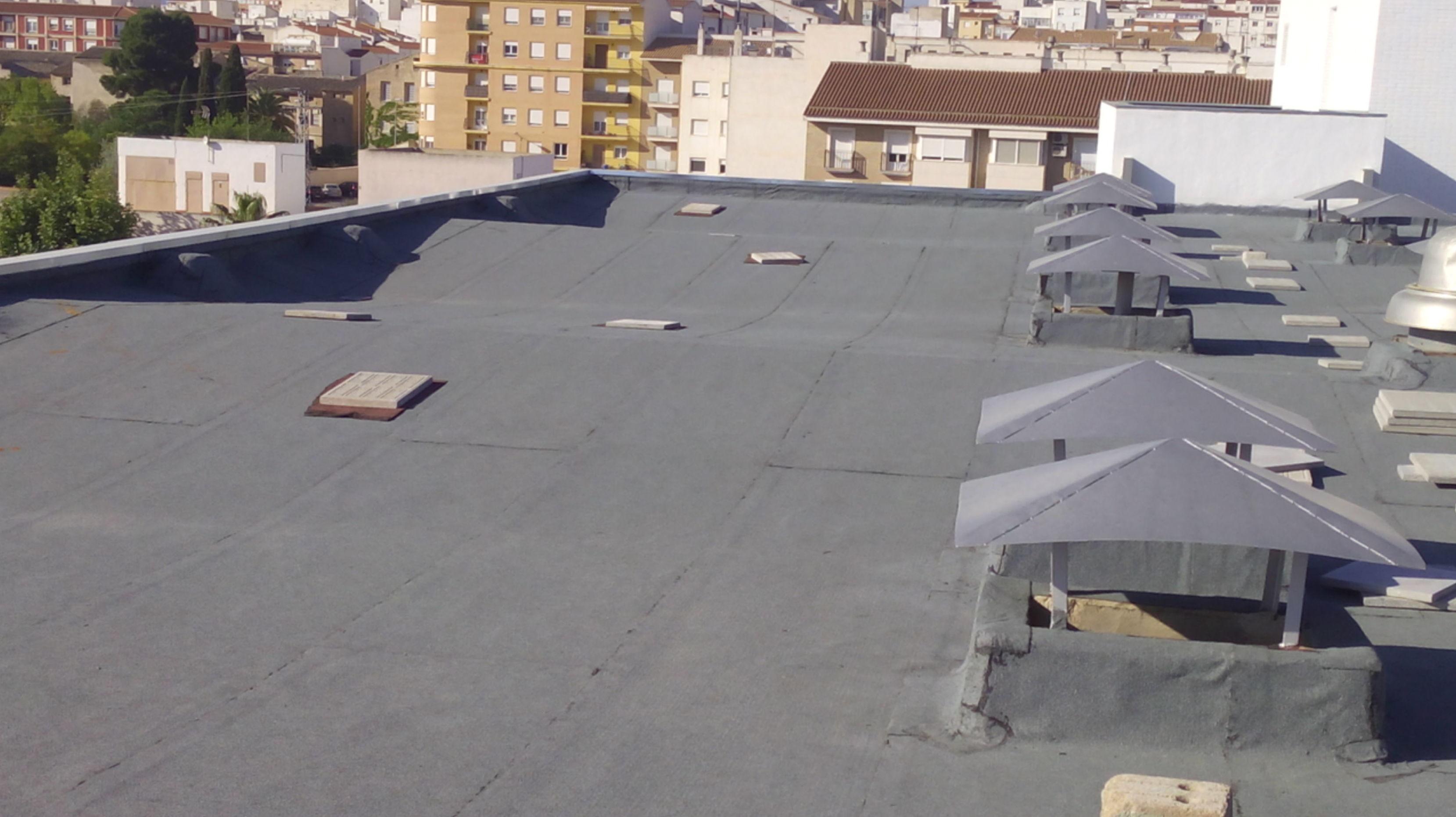 Rehabilitación cubierta con SBS-LBM 50 autoprotegida en Hospital de Yecla (Murcia)