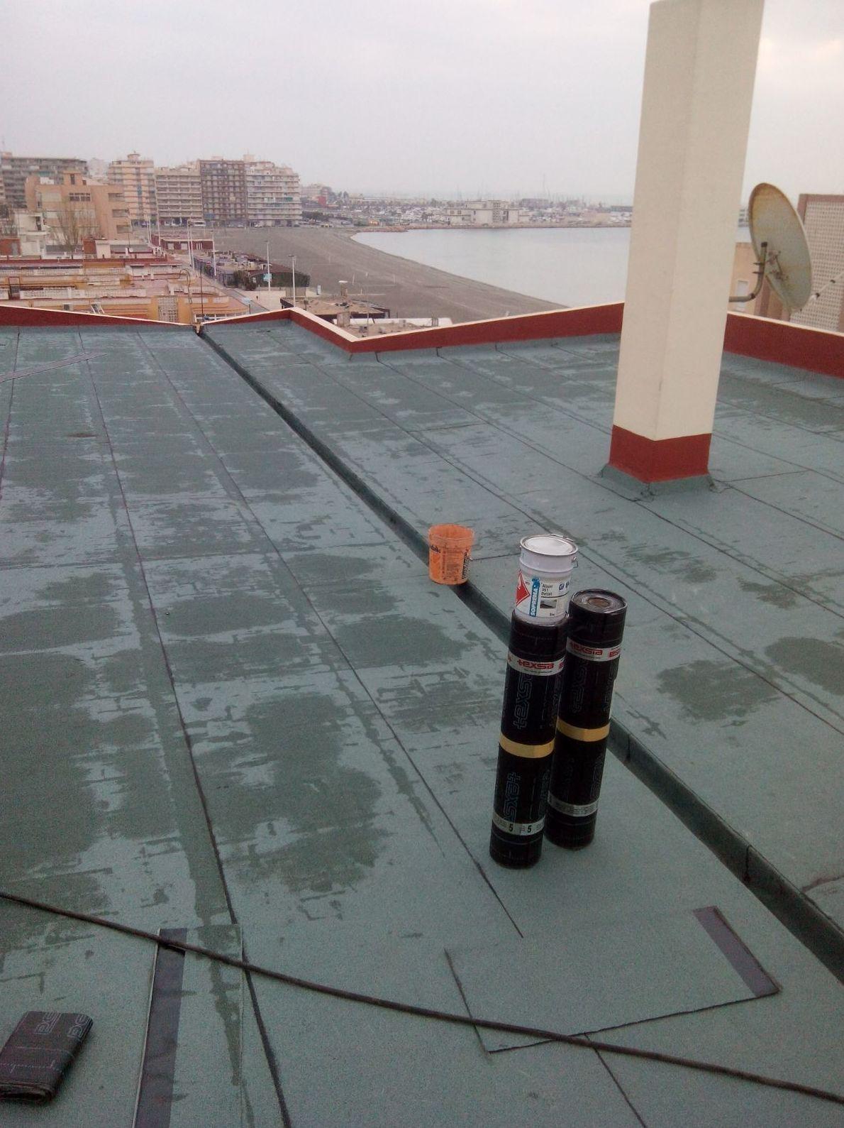 Rehabilitació cubierta edificio en Santa Pola (Alicante)