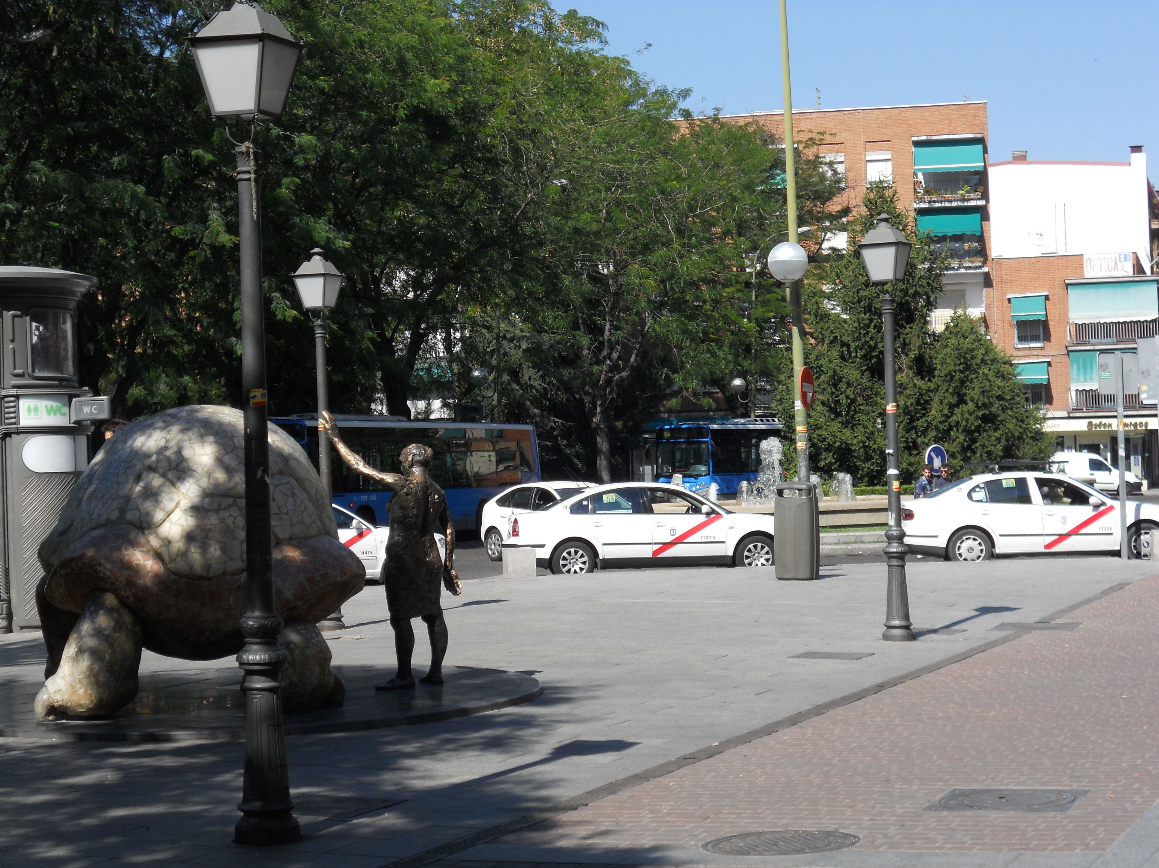 Plaza de la tortuga, San Andres, Villaverde Alto