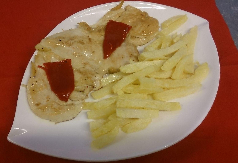 Filete de pollo con patatas