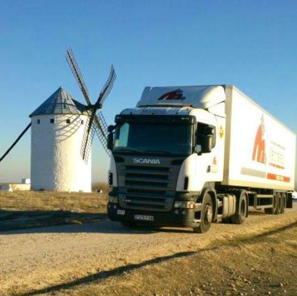 Foto 1 de Transporte de mercancías por carretera, mar y aire en Ciudad Real | Manchatrans