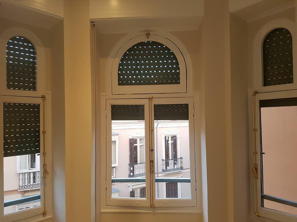Pintado de marcos de ventanas