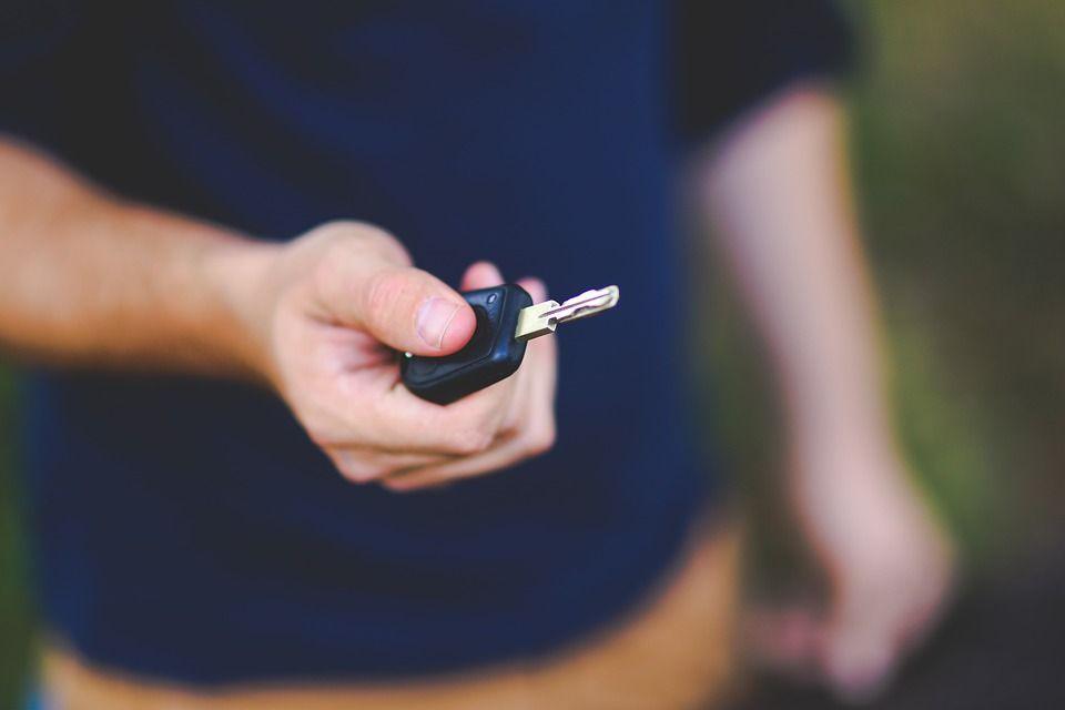 Apertura de puertas de coche