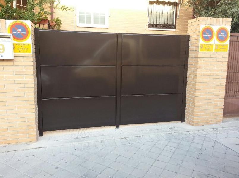 Puerta de Paso de Vehículos : Cerrajería de Cerrajería Dugaval