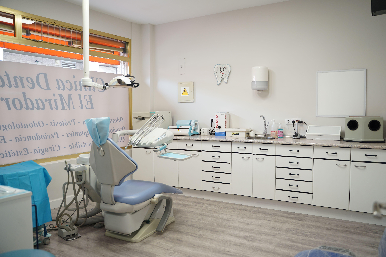 Foto 3 de Dentistas en  | Clínica Dental El Mirador