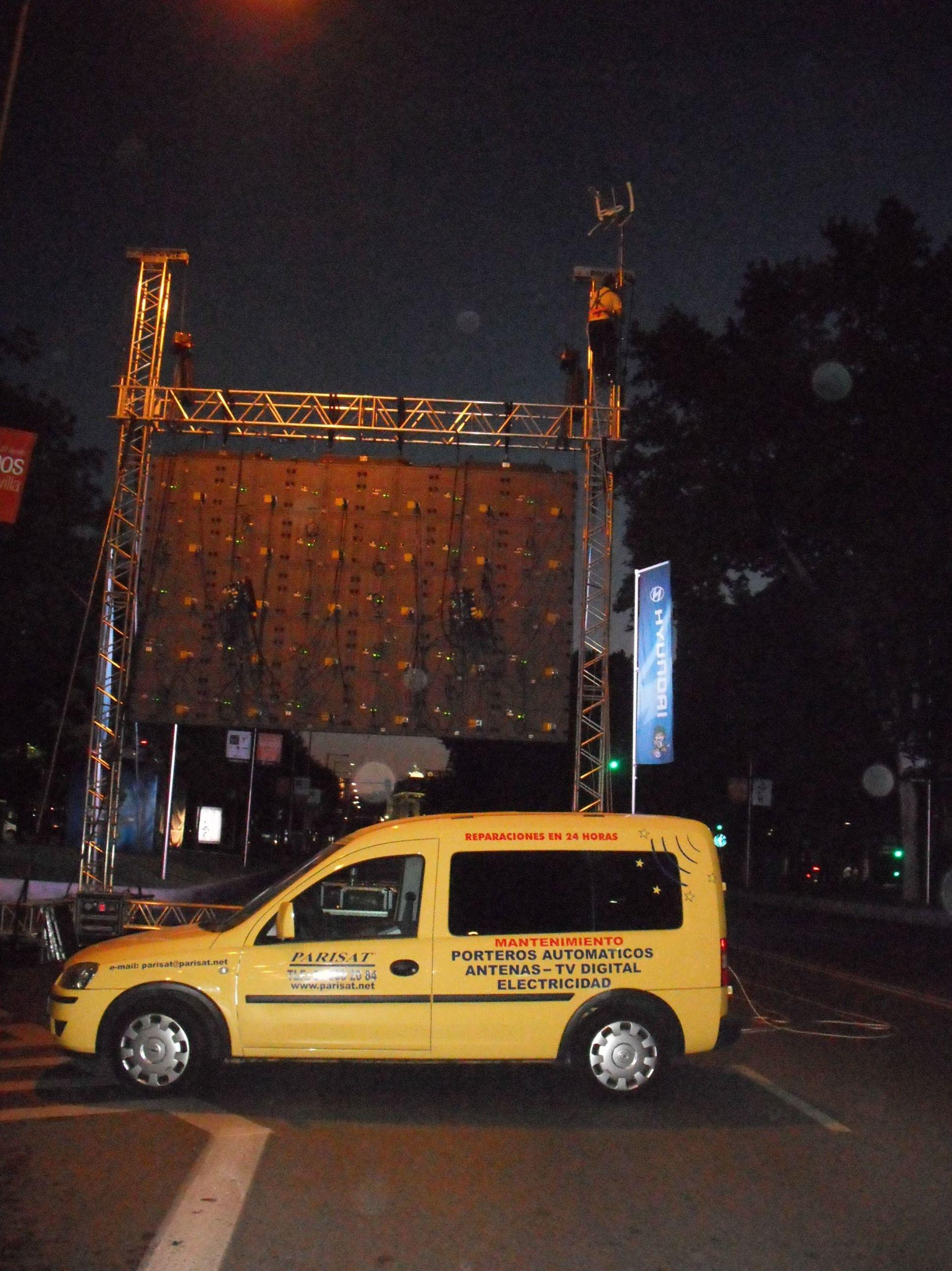 Pantalla gigante en el Paseo de la Castellana, Mundial 2010