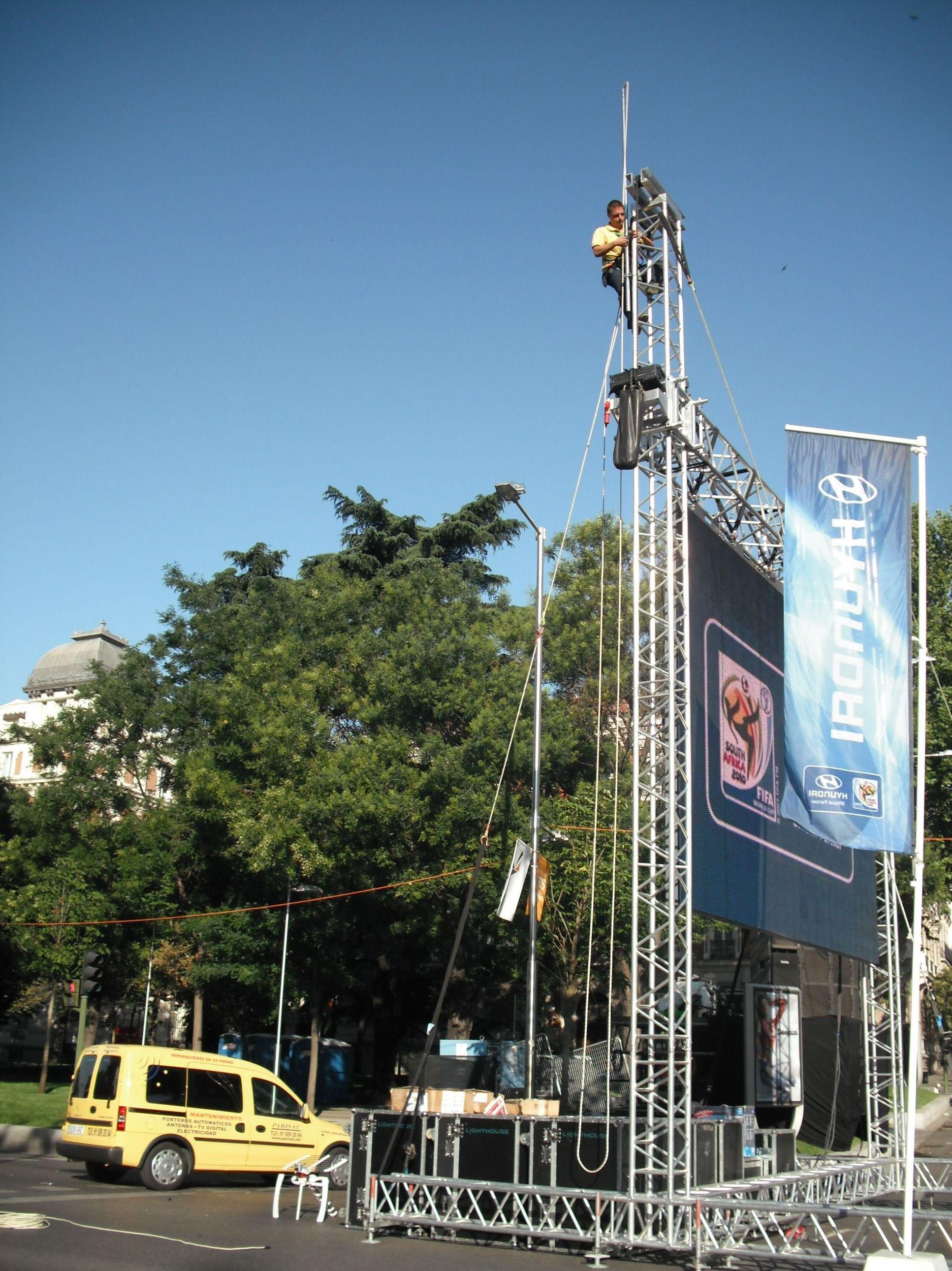 Pantalla gigante en Paseo de la Castellana, Mundial 2010