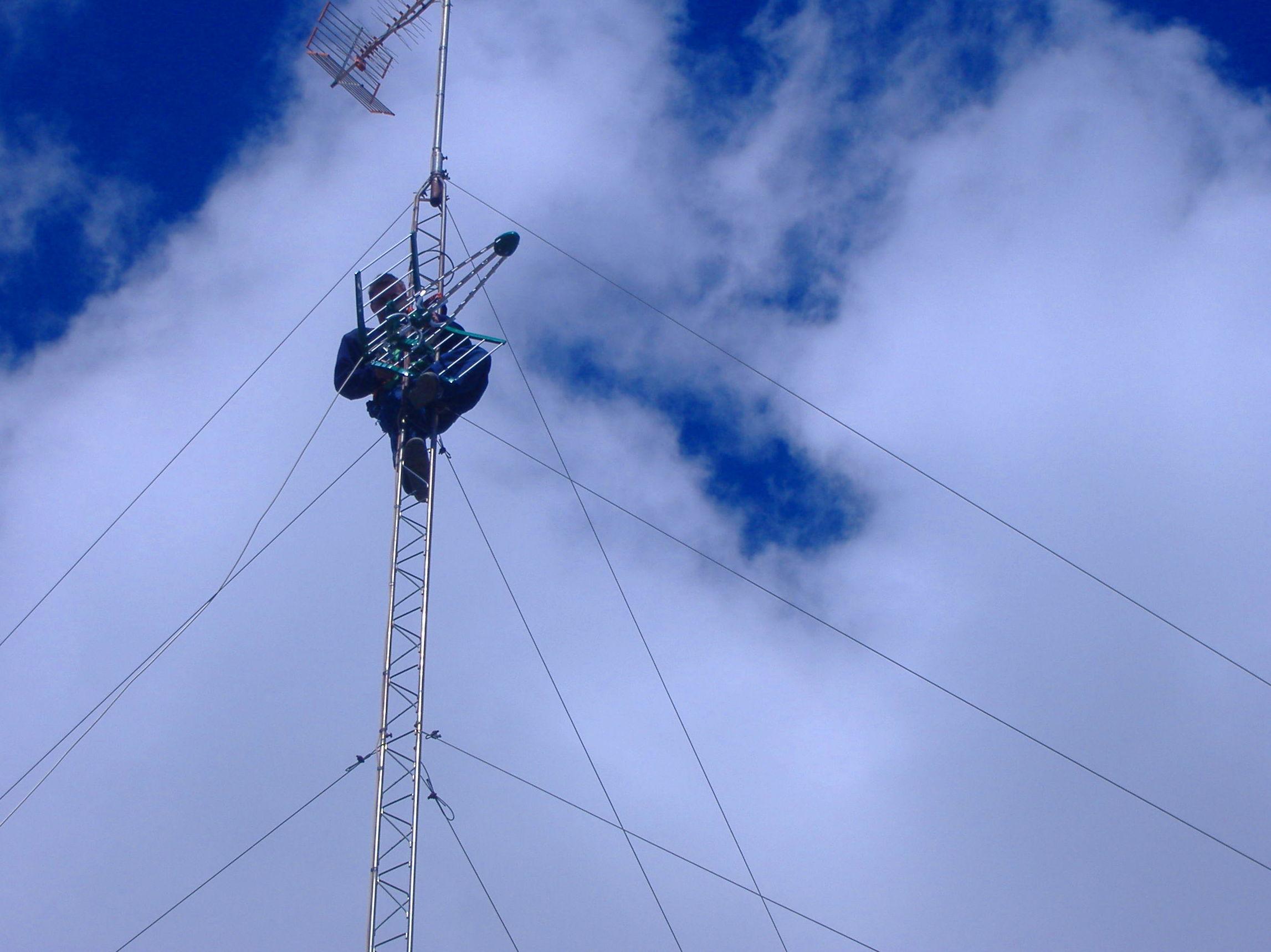 Instalación de torretas para TDT