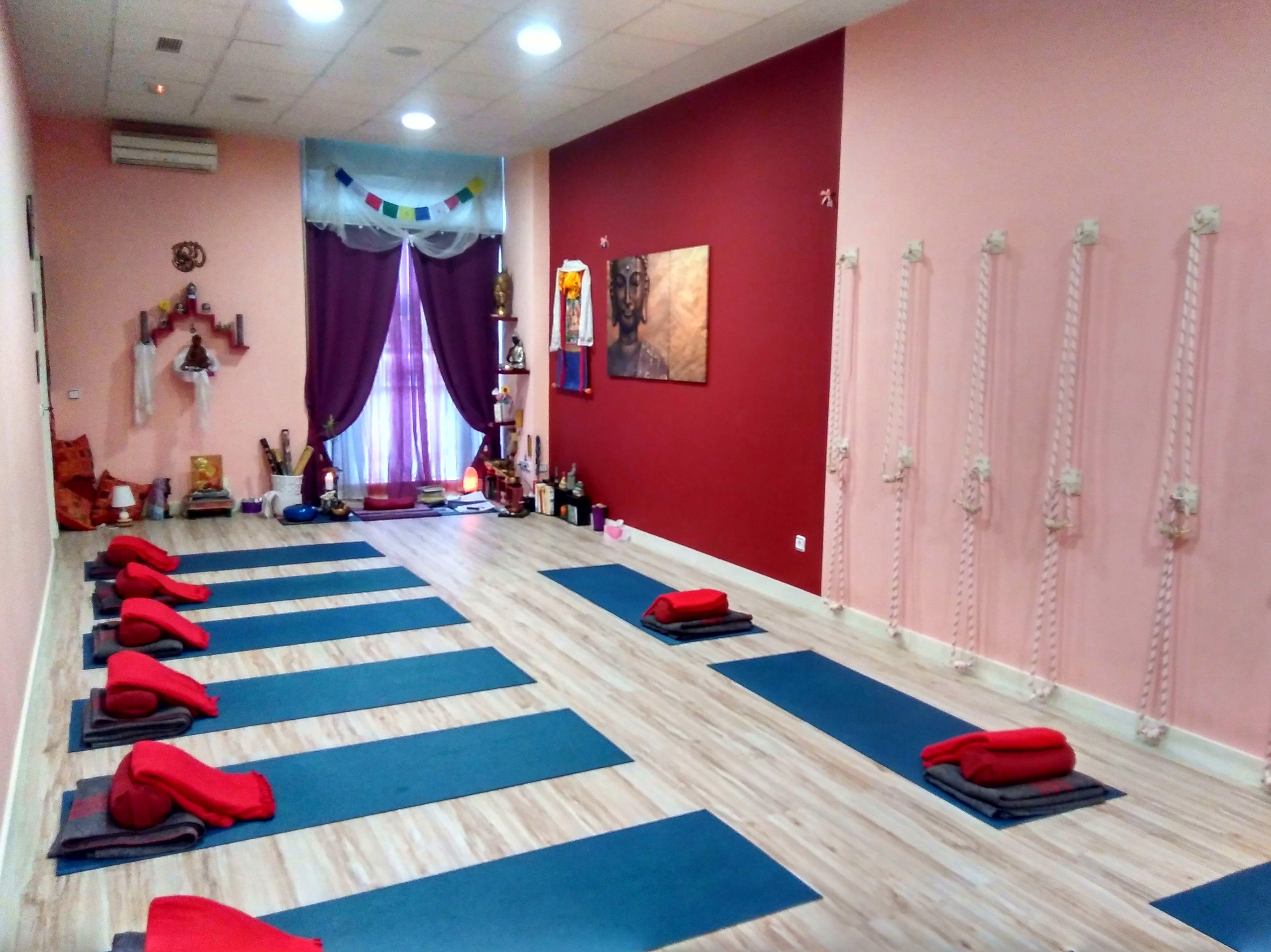 Foto 3 de Centro de yoga en Madrid | Izel Yoga