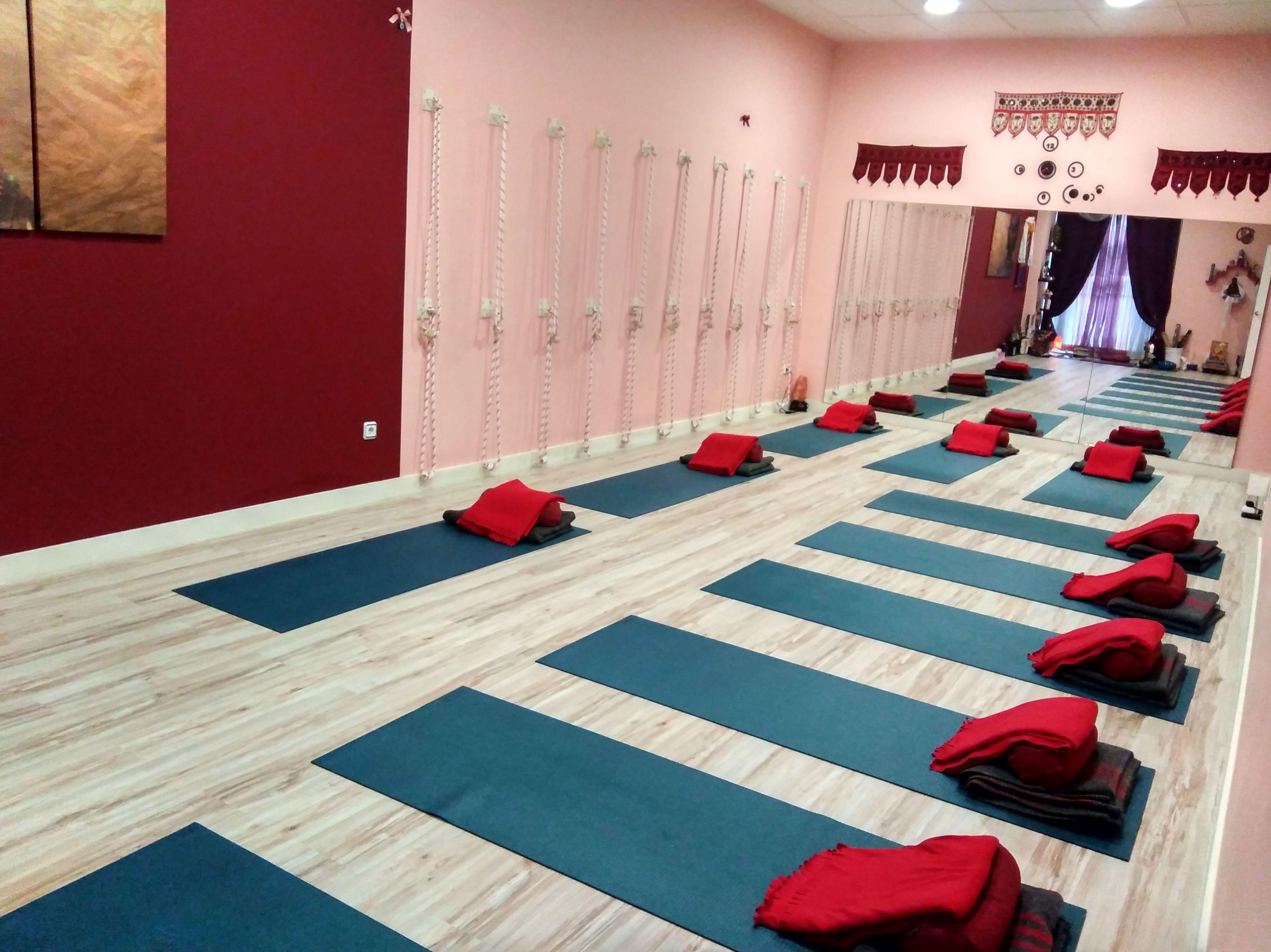 Foto 10 de Centro de yoga en Madrid | Izel Yoga