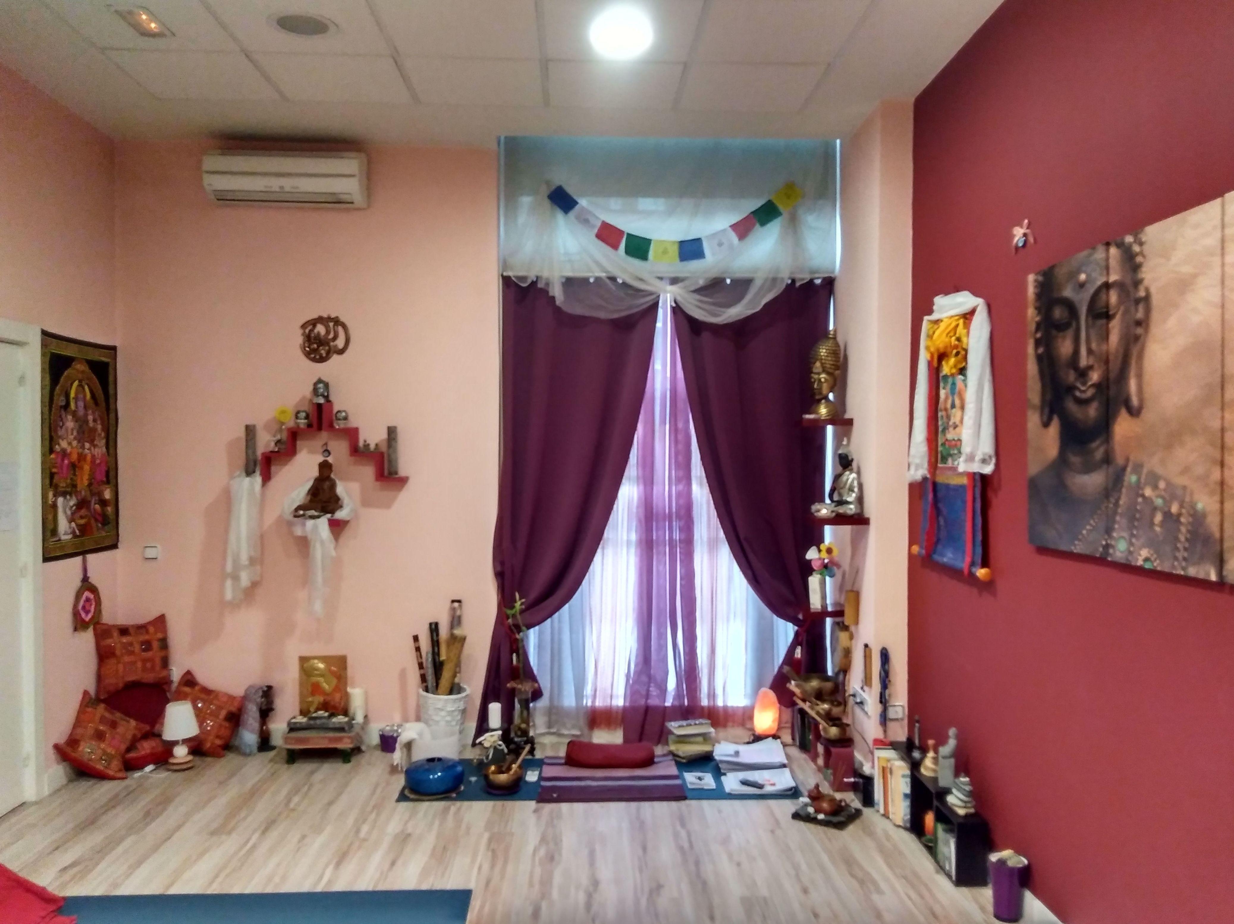 Foto 15 de Centro de yoga en Madrid | Izel Yoga