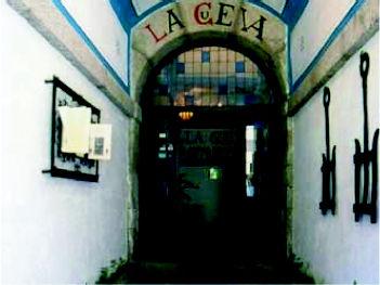 Foto 11 de Cocina castellana en San Lorenzo de El Escorial | Mesón La Cueva