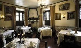 Foto 26 de Cocina castellana en San Lorenzo de El Escorial | Mesón La Cueva