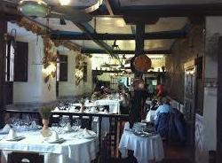 Foto 10 de Cocina castellana en San Lorenzo de El Escorial | Mesón La Cueva
