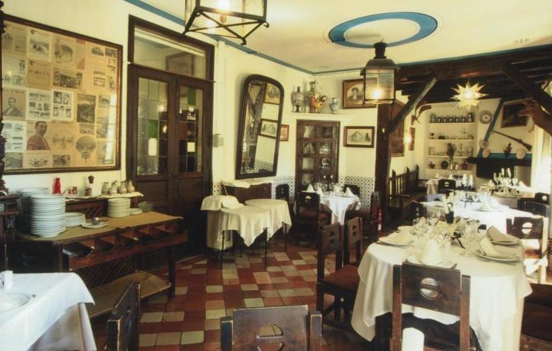 Foto 16 de Cocina castellana en San Lorenzo de El Escorial | Mesón La Cueva