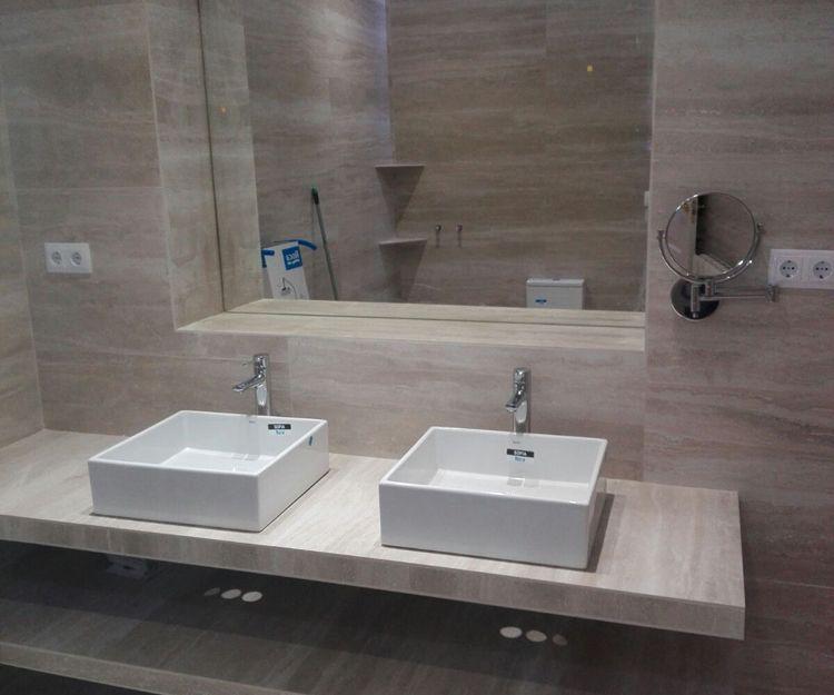 Baños con diferentes estilos en Madrid