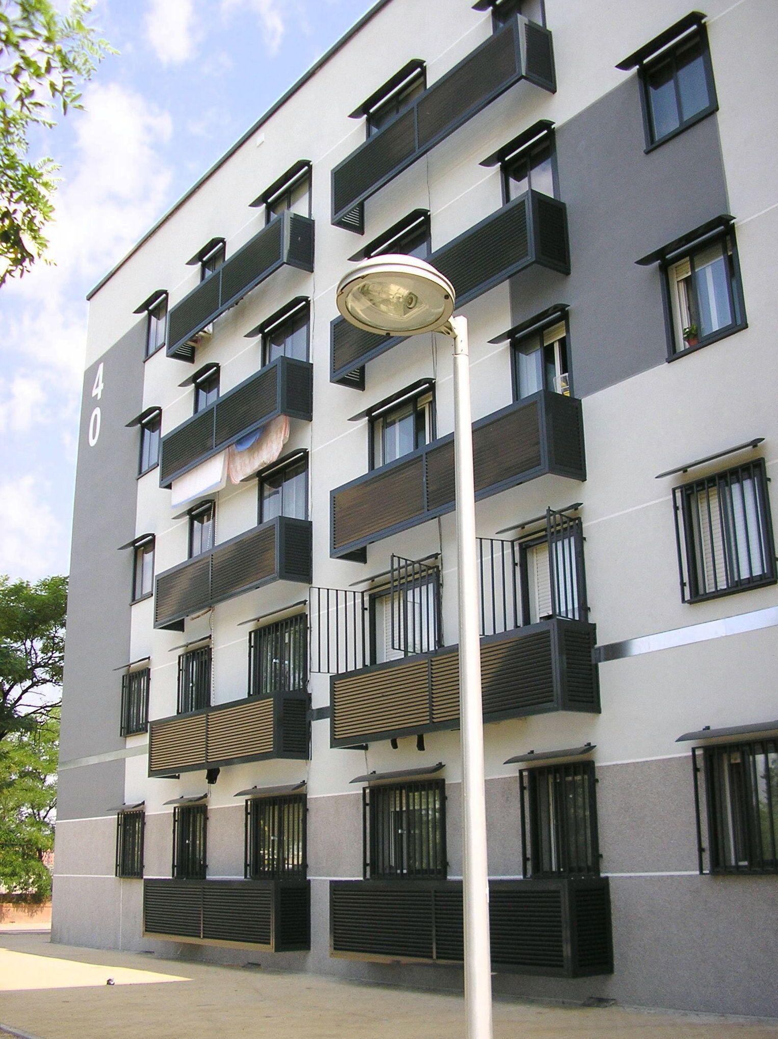 Las fachadas de edificios del centro de madrid las for Fachadas contemporaneas de edificios