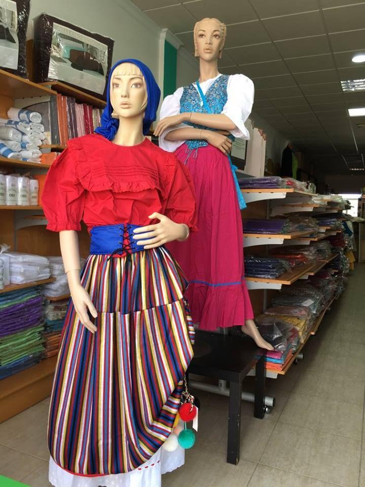 Tienda de trajes típicos canarios en Puerto del Rosario