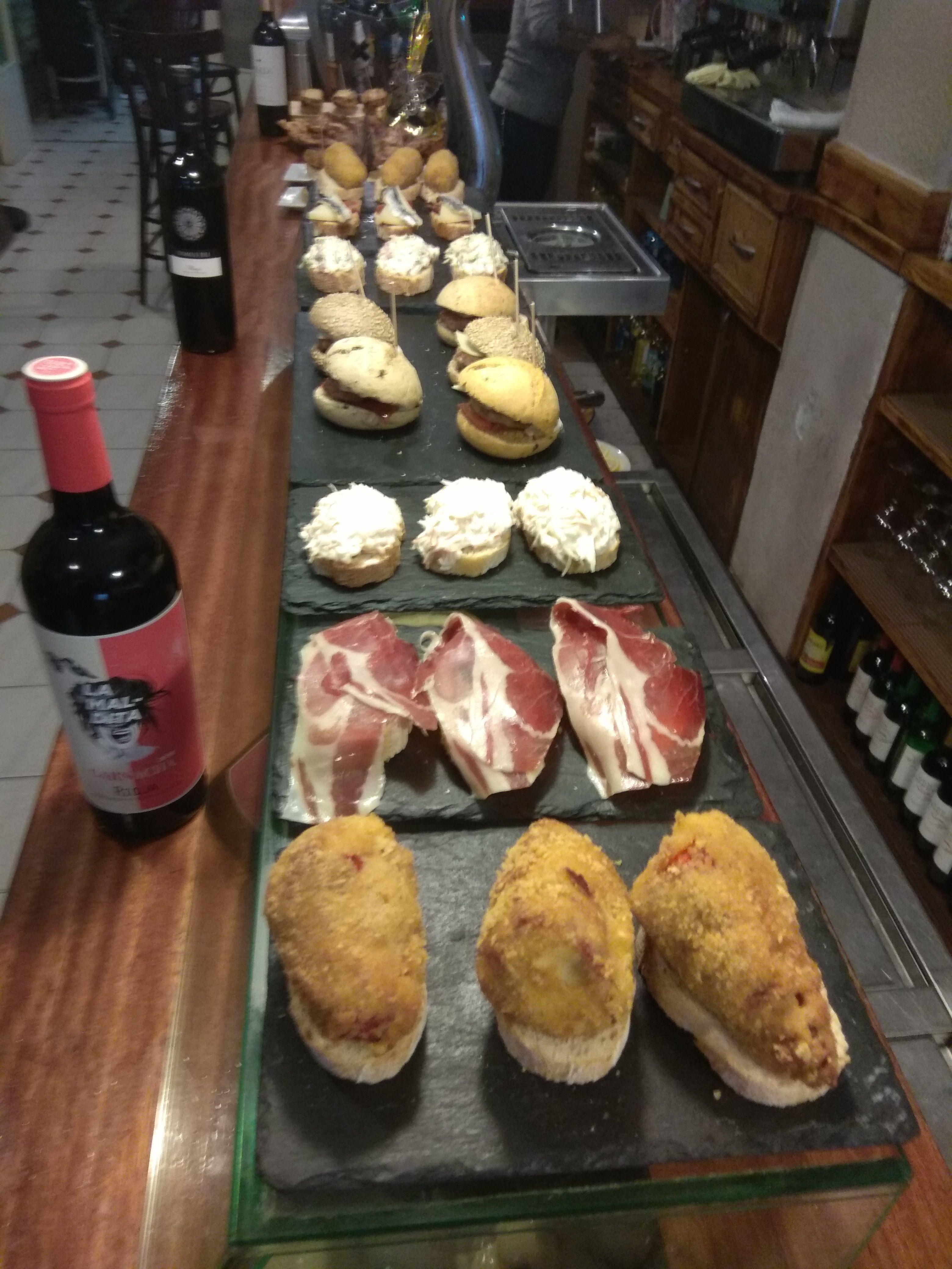 Pinchos y tapas variadas en Portugalete Vizcaya