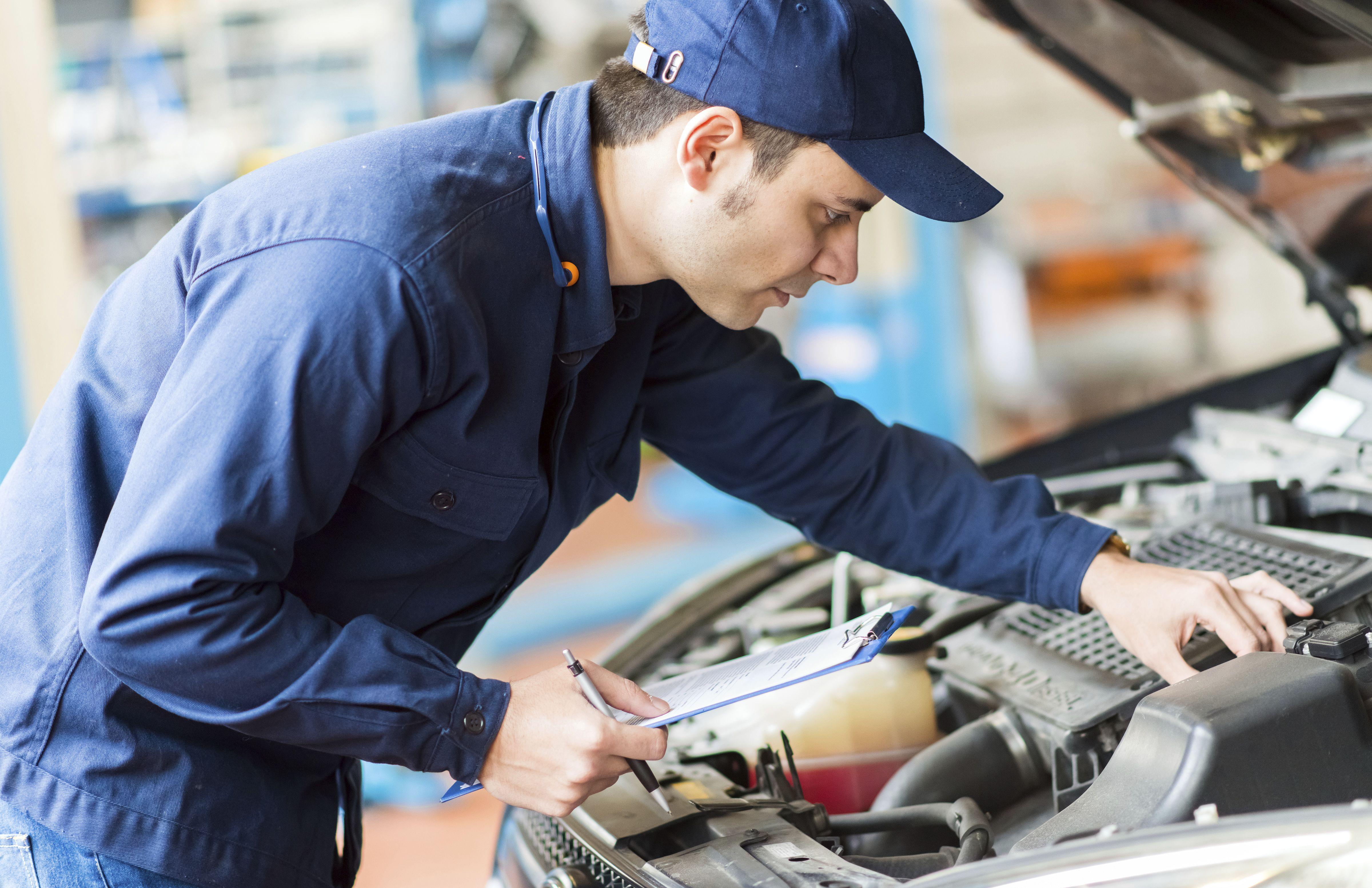 Revisiones de mantenimiento del automóvil en Barakaldo