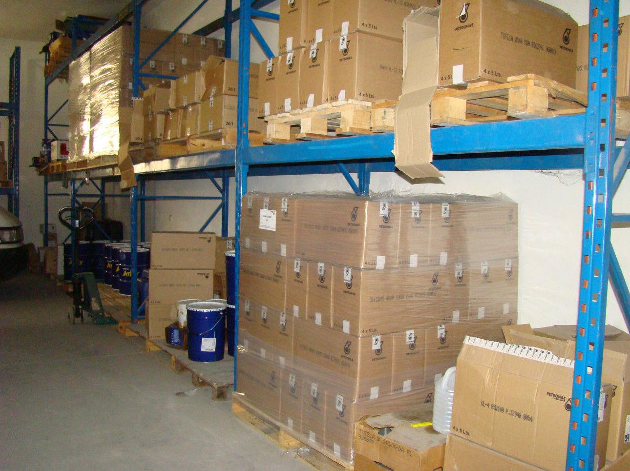 Venta y distribución de repuestos y lubricantes para la automoción