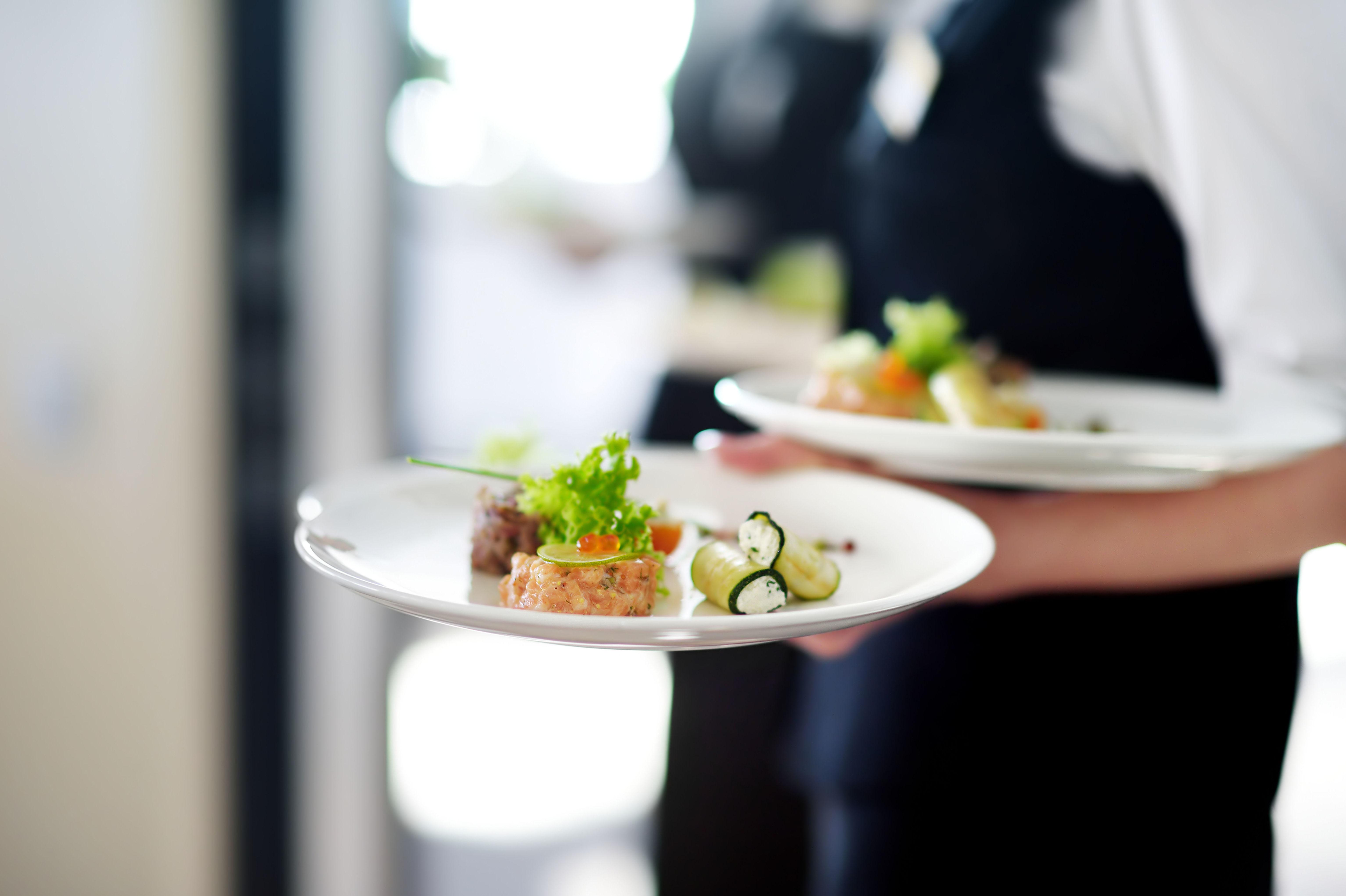 Servicio de restaurante en la oficina