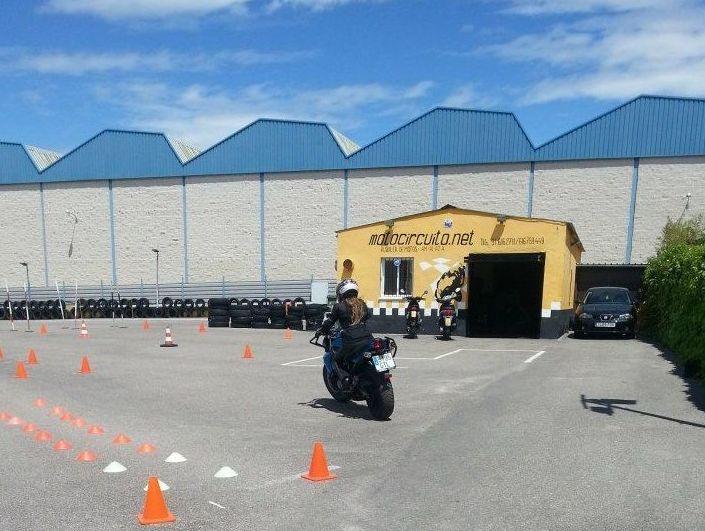 Centro para la obtención del carnet de moto en Móstoles