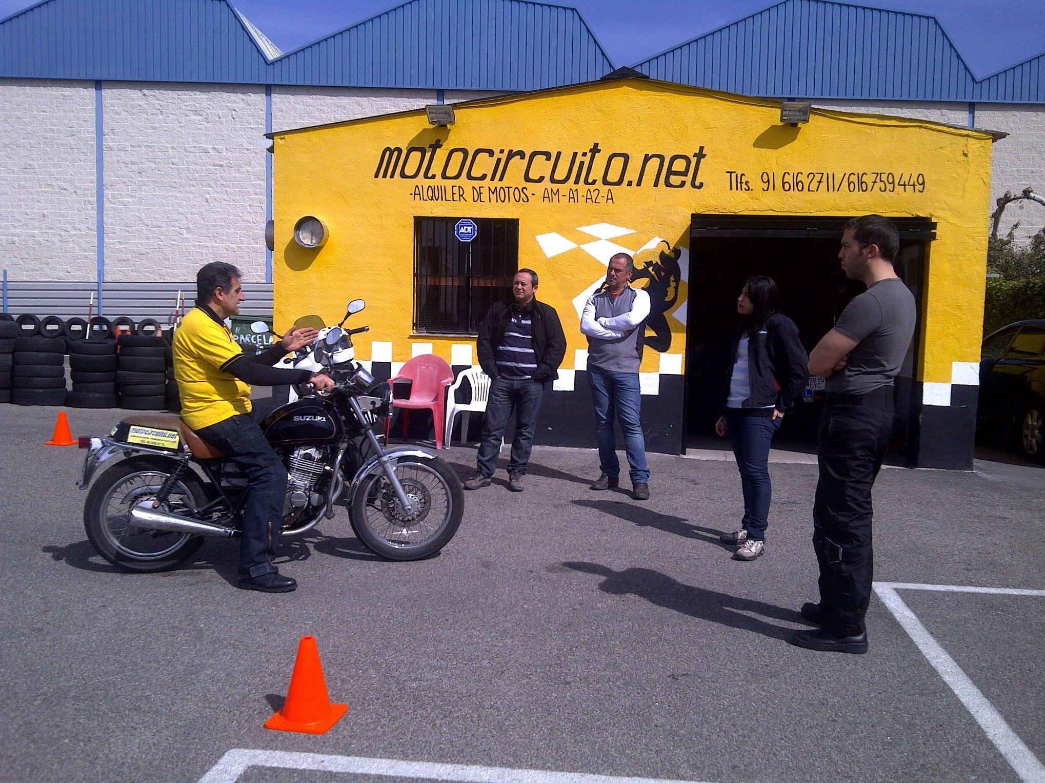 Autoescuela de moto en Móstoles