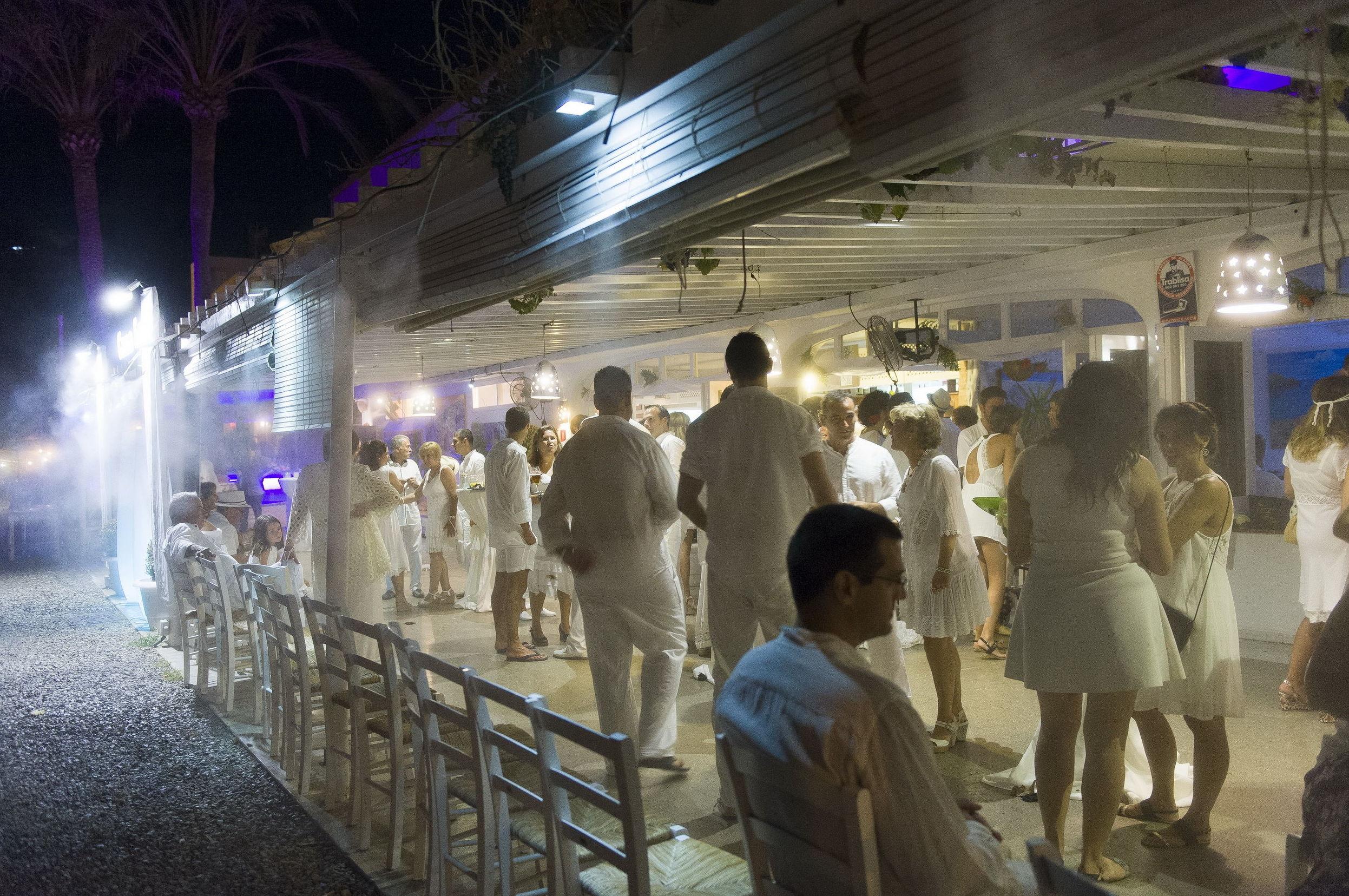 Fiestas ibicencas a orilla del mar