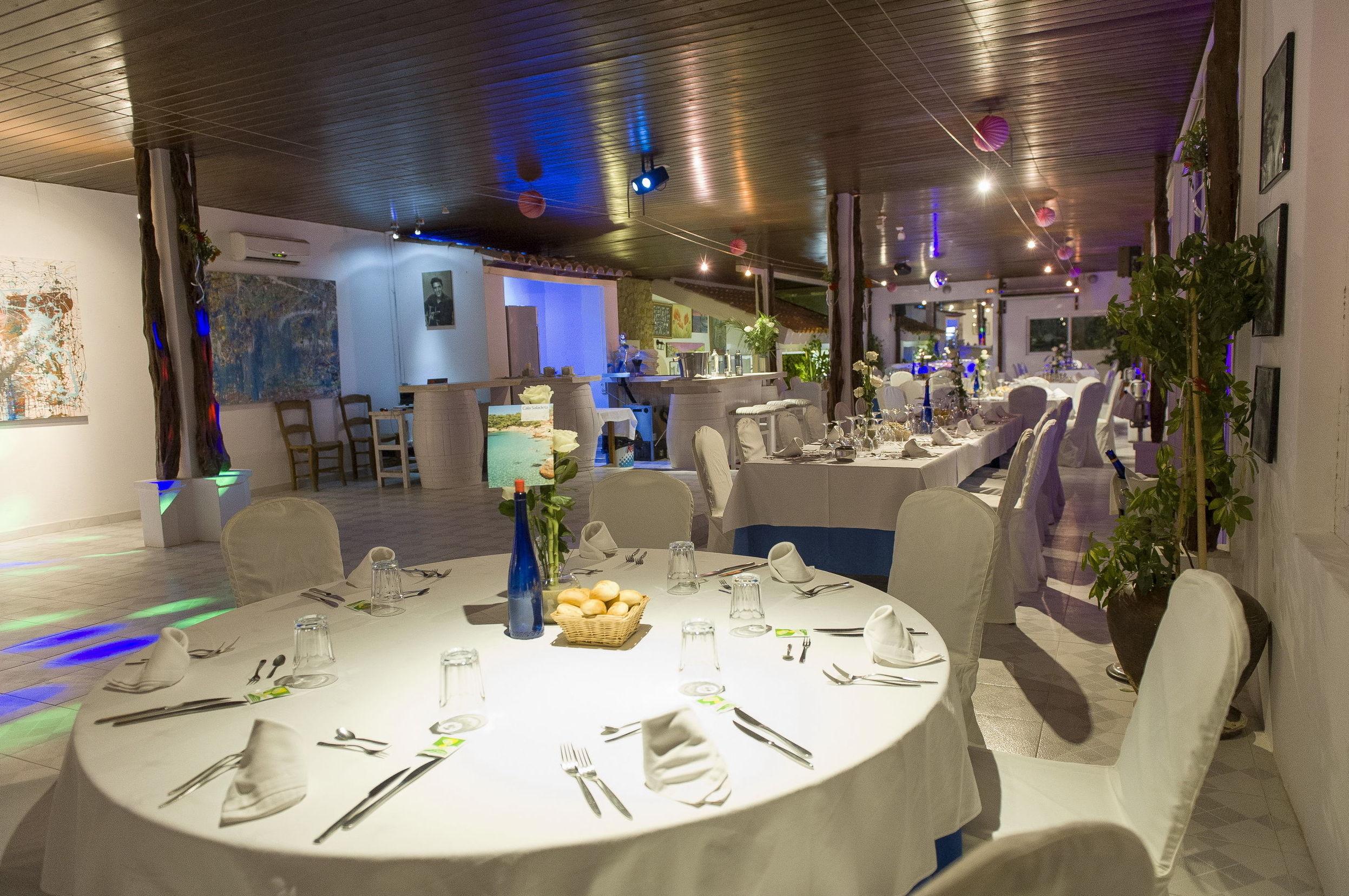 Salón de uno de los mejores restaurantes de Ibiza