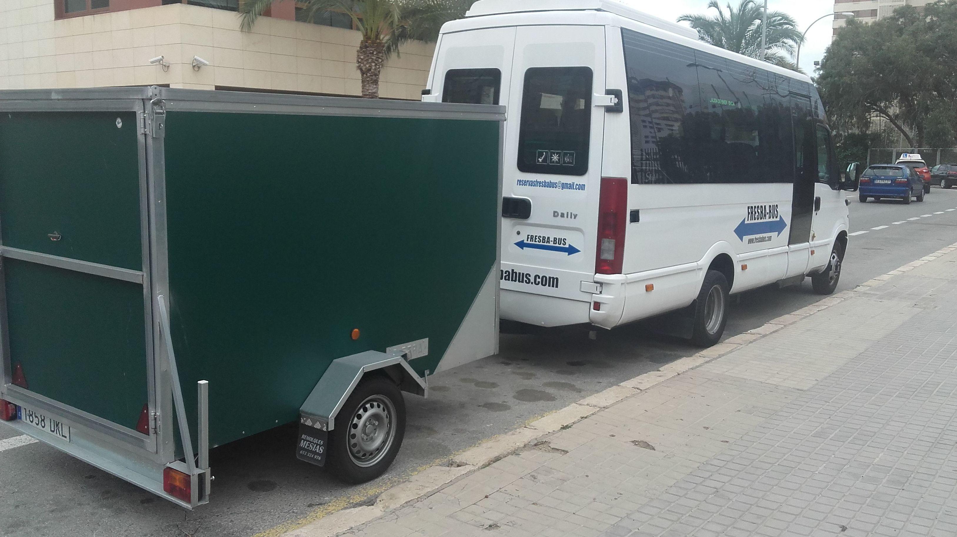 Foto 1 de Especialistas en transporte discrecional terrestre en Alicante | Autocares Alicante
