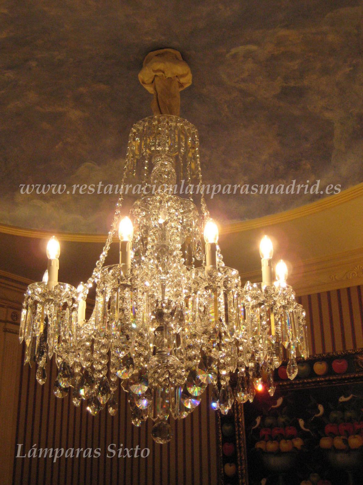 Lámpara de cristal de Bohemia de 10 luces. (Trabajos de antes y después publicados en nuestra página en facebook)
