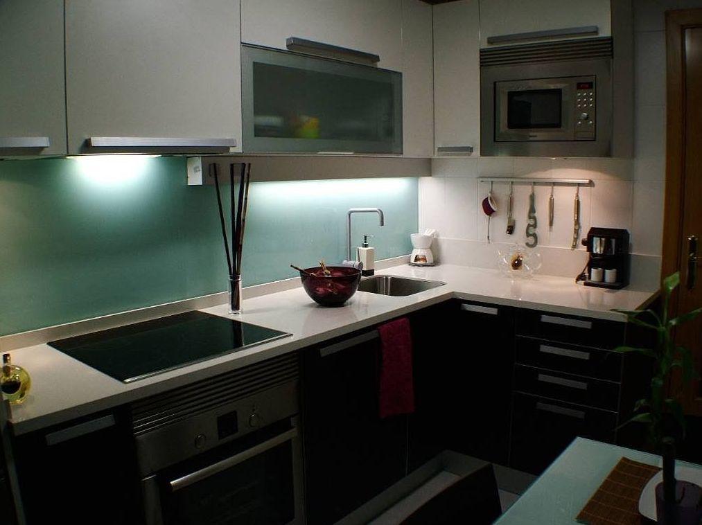 Vidrio decorativo en paneles de cocina