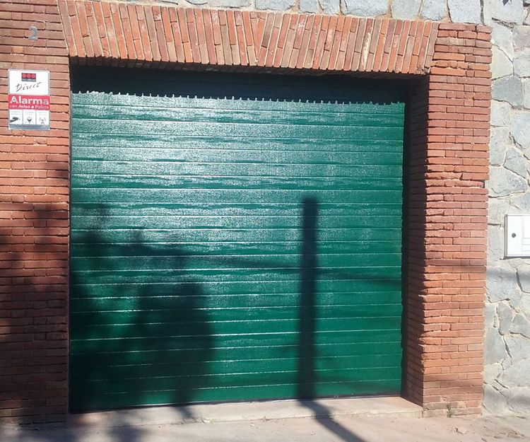 Fabricación e instalación puertas metálicas en Tarragona