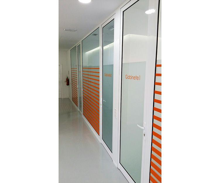 Mamparas divisorias de aluminio para oficinas y negocios en Gran Canaria