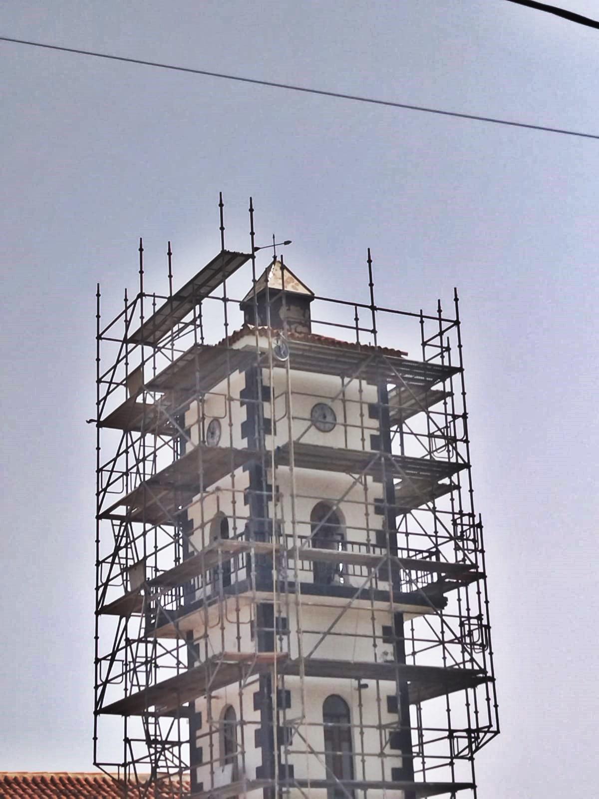 Reformas en iglesia de La Vega con andamio tubular multidireccional