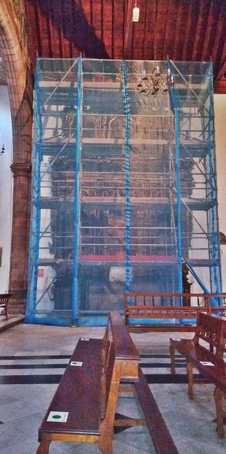 Andamio tubular para restauración de retablo. Interior iglesia San Francisco. Santa cruz de Tenerife.