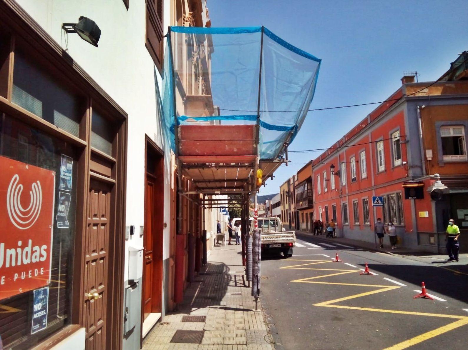 Marquesina de protección. Calle del Adelantado. La Laguna.