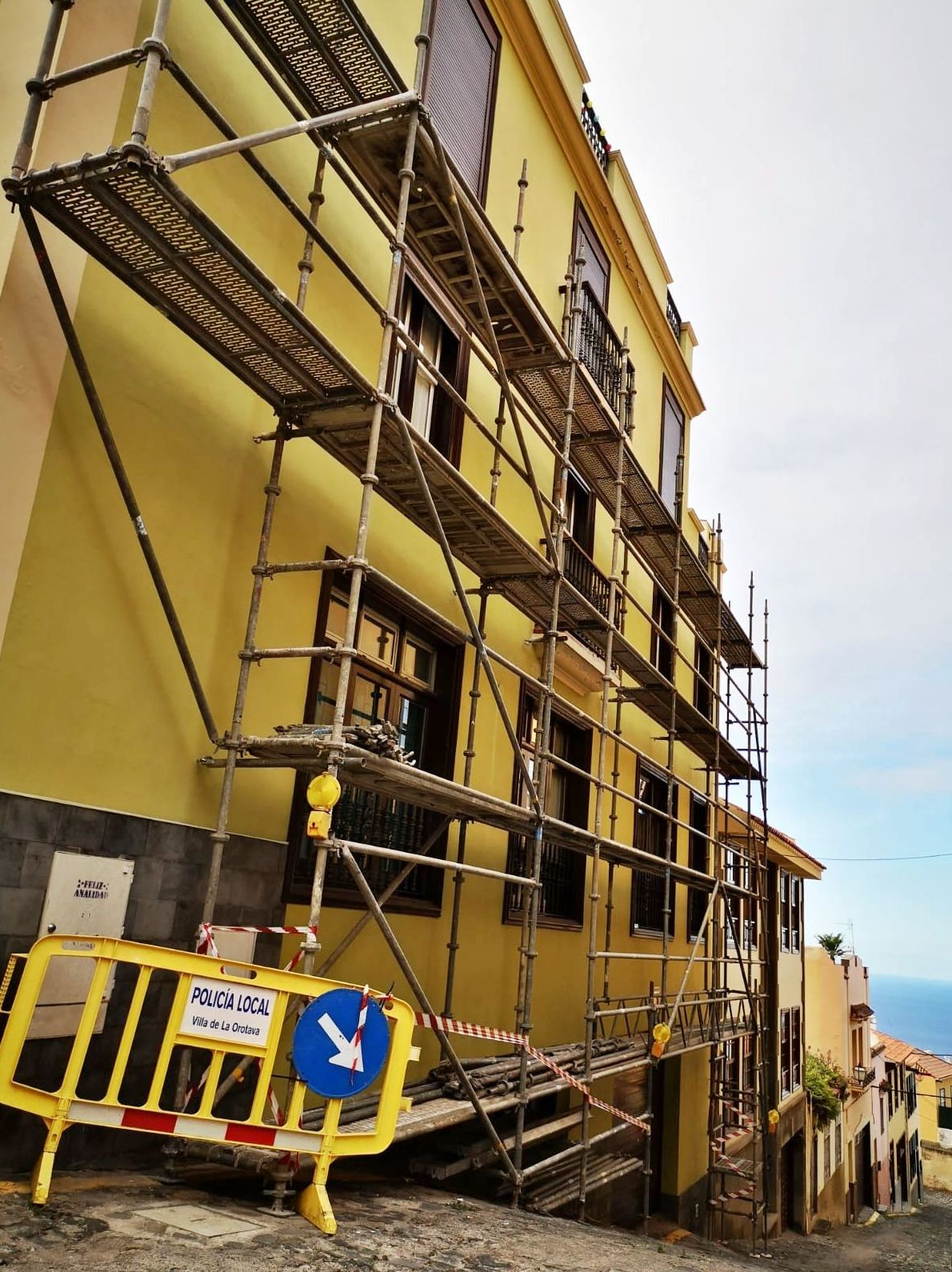 Trabajos de andamios en fachada