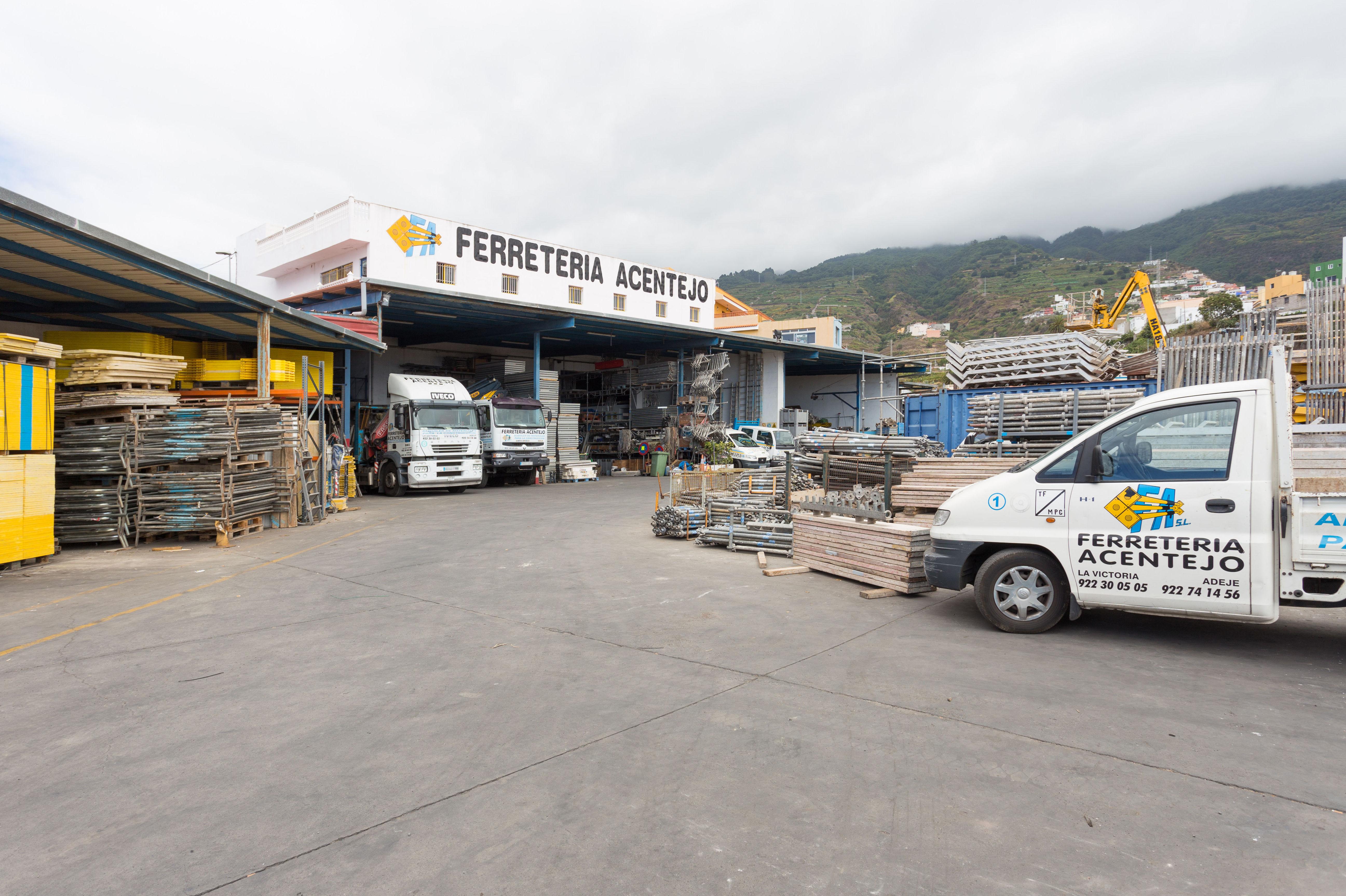 Foto 10 de Andamios en La Victoria de Acentejo | Servicios Tracentejo, S.L.