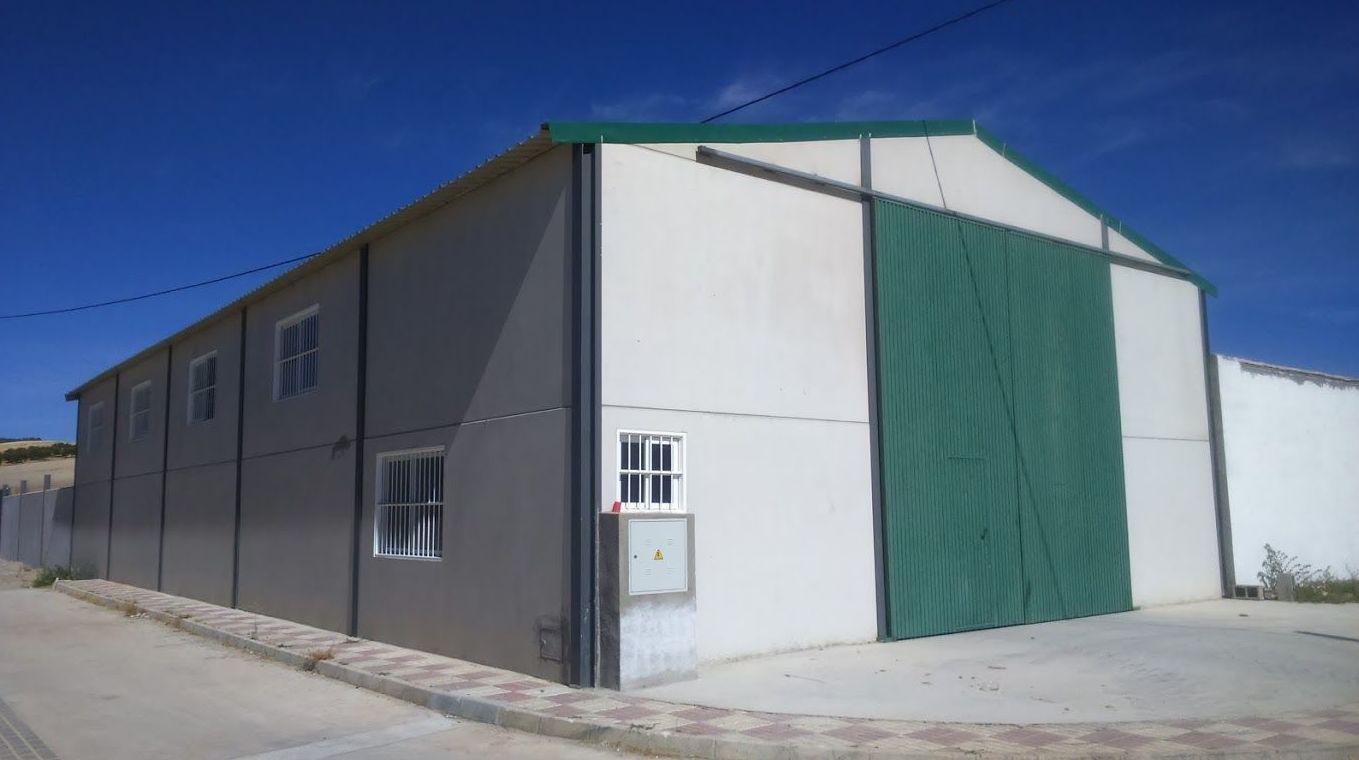 Nave Industrial/Almacén agrícola: Servicios de Estudio de Arquitectura Pablo Navas