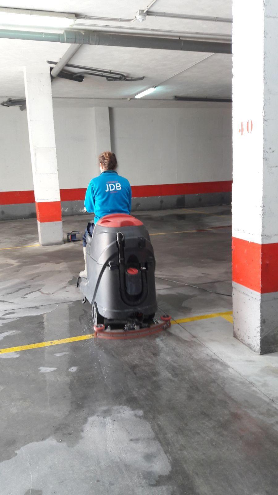 Limpieza de garajes en Granada