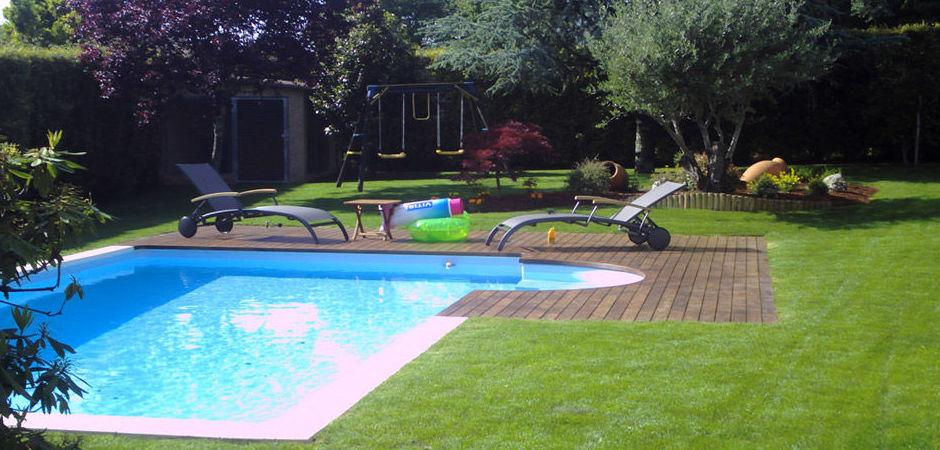 Mantenimiento de jardines y piscinas prestaciones de j m - Jardines con piscinas ...