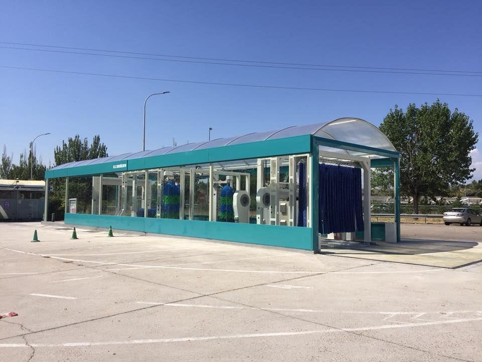 Lavado de vehículos: Servicios de Estación de Servicio Navalcarro BP