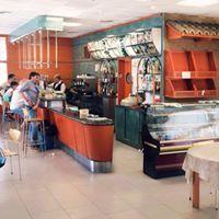 Estación de servicio con cafetería-restaurante en Tres Cantos